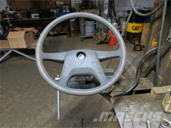 Mercedes-Benz 1827 AK (STEERING WHEEL)