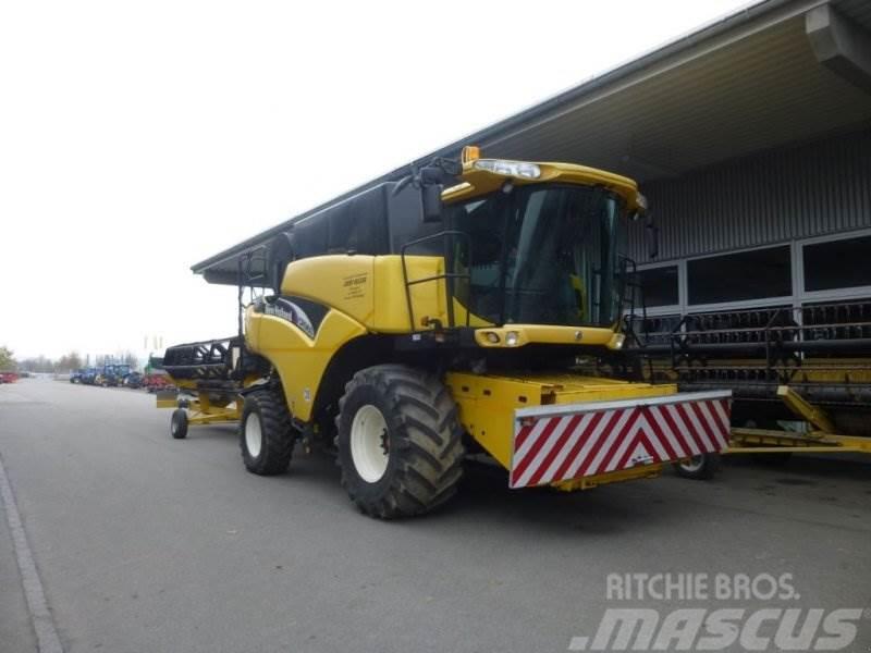New Holland CR 960