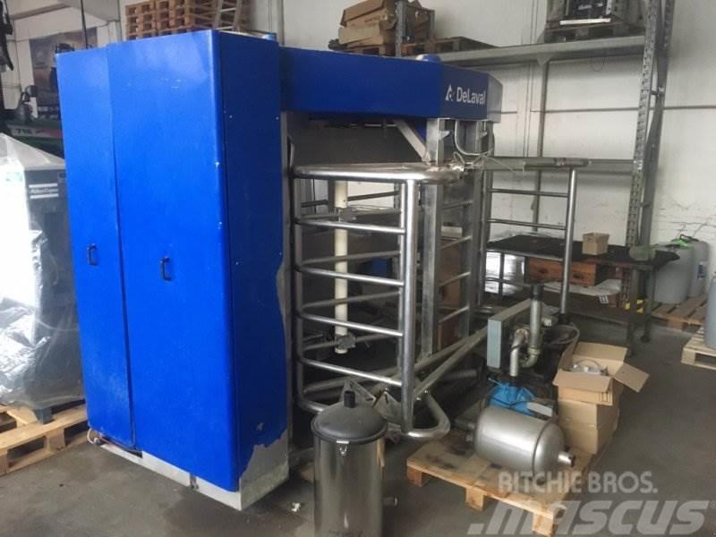 [Other] De Laval VMS links vollautomatisches Melksystem