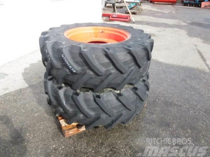Pirelli 420/70 R28 #66