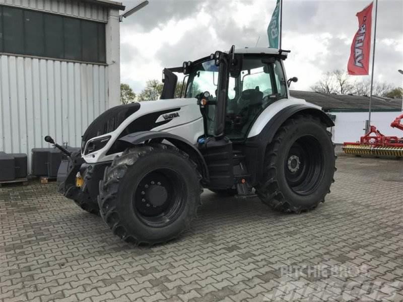 Valtra T214A MR19 VALTRA VORFÜHR 2019