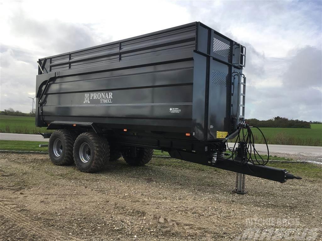 Pronar T-700 XL leveres i atacit grå kasse og sort underv