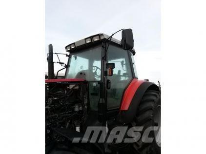 Massey Ferguson 8210