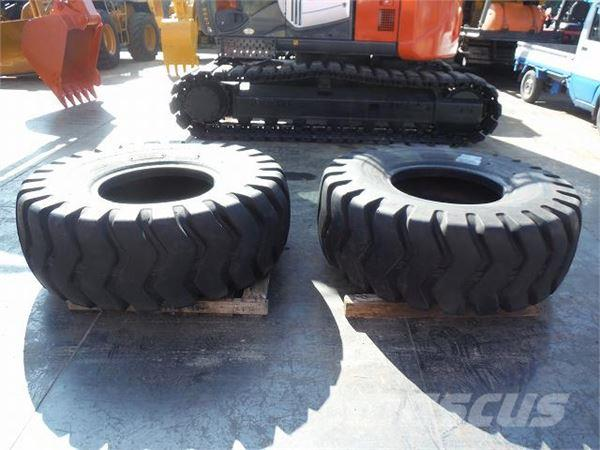 Bridgestone 新古品 20.5-25タイヤ2本