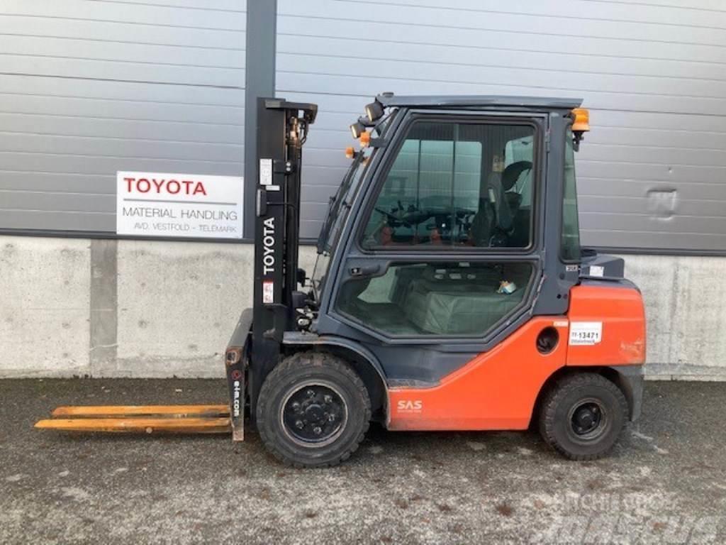 Toyota 06-8FD30F