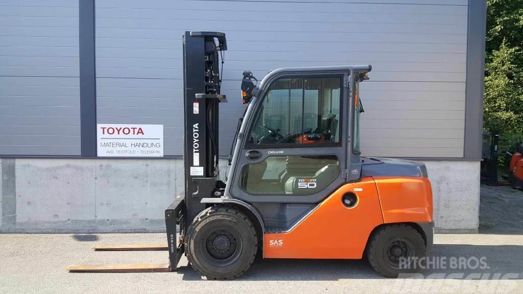 Toyota 40-8FD50N