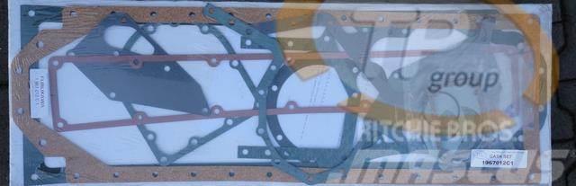 CASE IHC 1967012C1 Gasket Set
