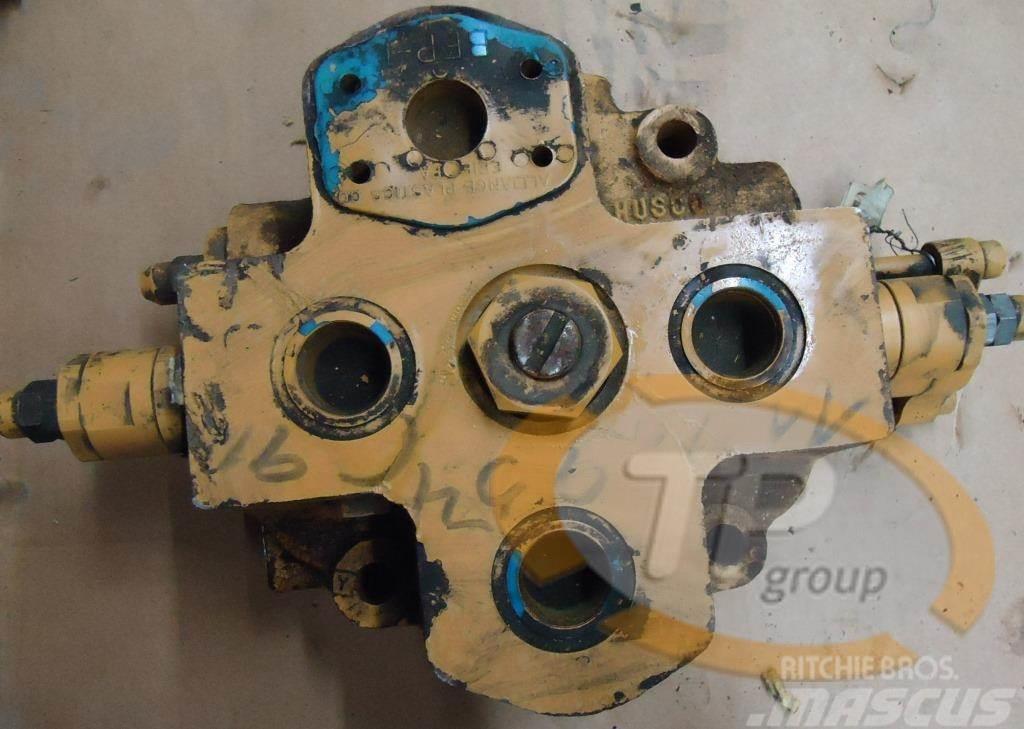 [Other] Husco 1126954C91 Steuerventil Husco D85E416