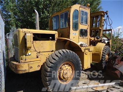 Caterpillar 950 ROUGH TERRAIN FORKLIFT