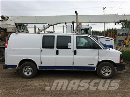 Chevrolet 2500 Express Glass/Granite Carrier Van