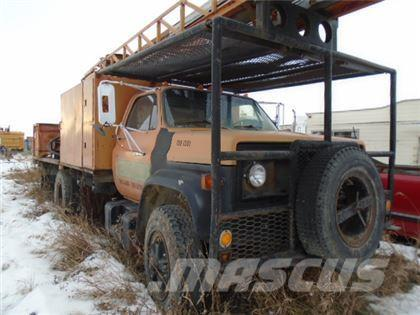 Chevrolet 6500 BUCKET TRUCK (PARTS ONLY)