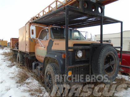 Chevrolet 6500 BUCKET TRUCK
