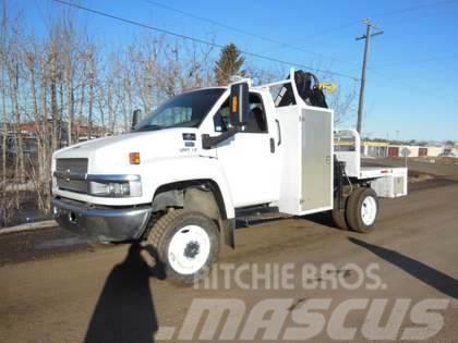 Chevrolet C5500 4x4 with Hiab 060-3 Boom Truck