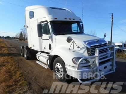 Freightliner Columbia 120 Sleeper Tandem Axle Truck Tractor