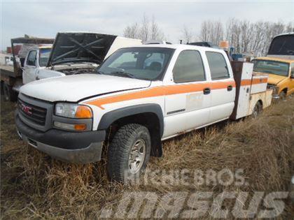 GMC 2500 CREW CAB SERVICE TRUCK