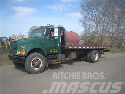 International 4900 Tilt Deck Roll Off Truck