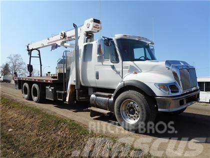 International 7400 Tandem Axle with USTC 1000JBT Boom Truck