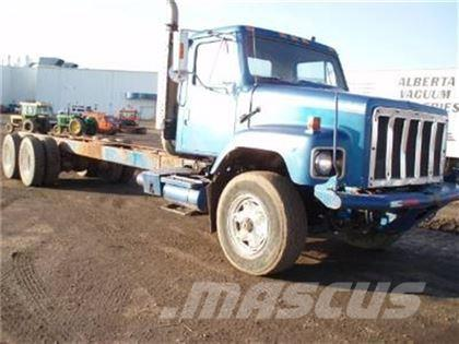 International MO: F2674 T/A CAB & CHASSIS