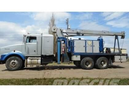 Kenworth T800B T/A with RO 110-45 Picker