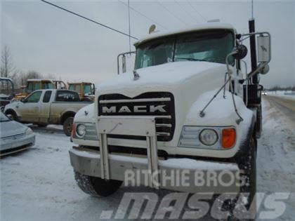 Mack CV713 BIN LUGGER TRUCK