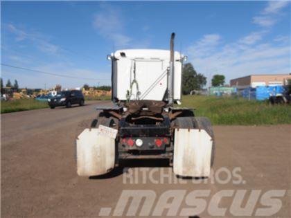Mack CXU613 Sleeper Truck Tractor (T/A)