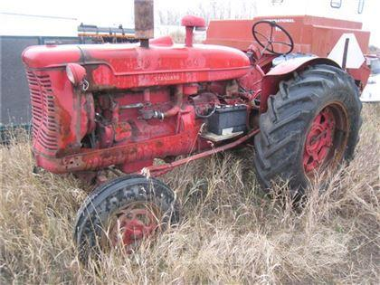 McCormick SW6 ANTIQUE TRACTOR