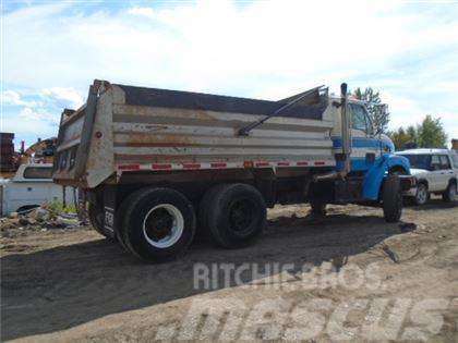 Sterling L7501 T/A DUMP TRUCK