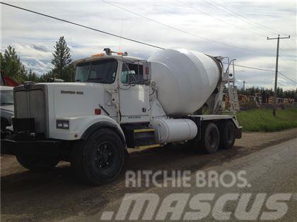 Western Star 4864F T/A Mixer Truck