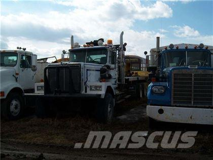 Western Star 4964-2 T/A WINCH/DECK 30 TON TRUCK [GLIDERED]