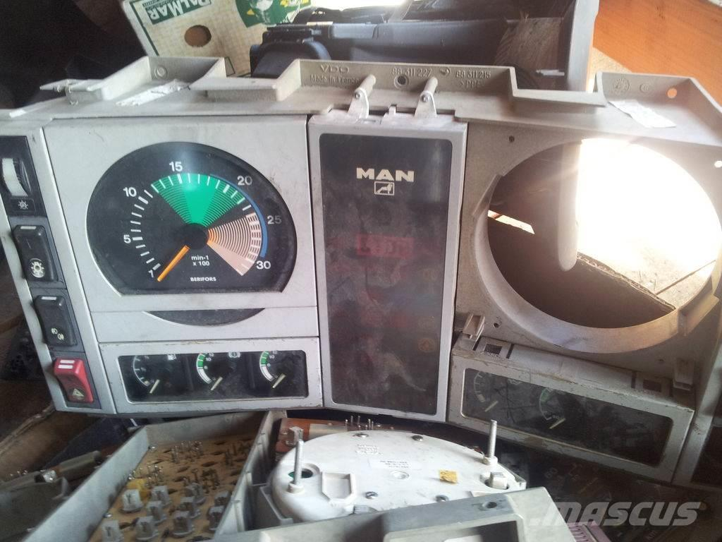MAN instrument panel, indicator, dashboard, instrume