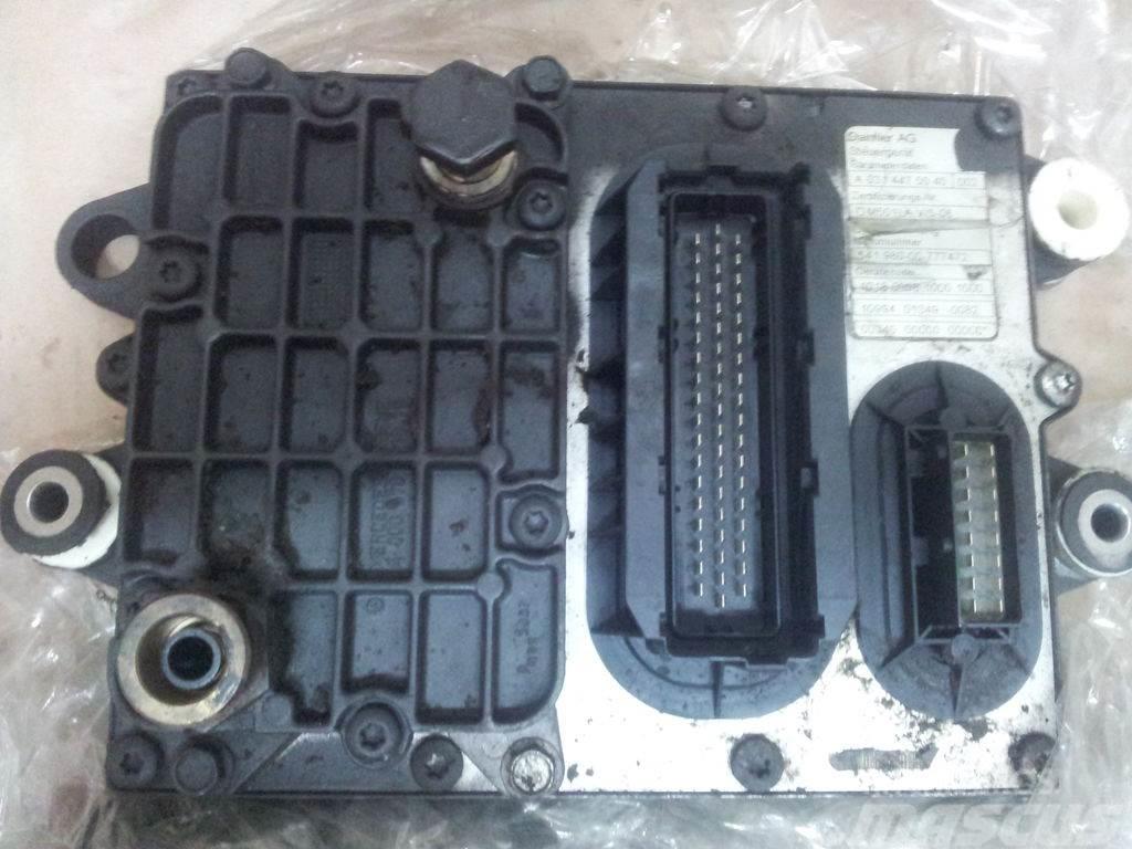 Mercedes-Benz EURO5 PLD engine computer EDC ECU OM501LA V, 00744
