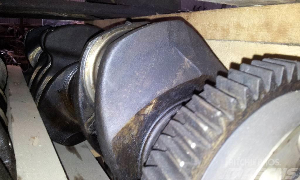 Volvo D12C engine cramshaft, engine head, cylinder head,