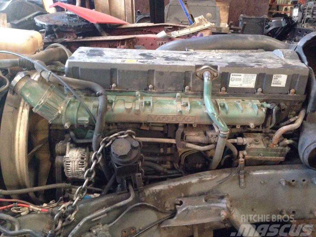 Volvo D16E engine, D16E660 EC06, 660PS, 485KW, exhaust b