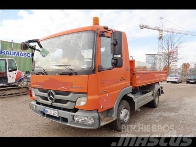 Camion MERCEDES-BENZ ATEGO 818K