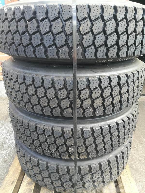 [Other] Pinnatut K-auton renkaat vanteineen, 4kpl Michelin