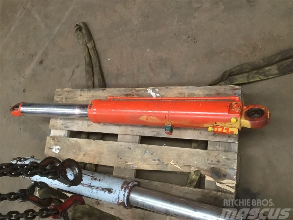 Grove GMK 3050 jib cilinder