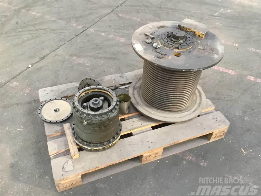 Grove GMK 3050 winch