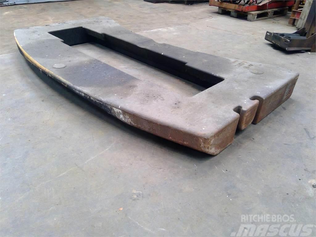 Liebherr Counterweight LTM 1090-2 2.8 ton