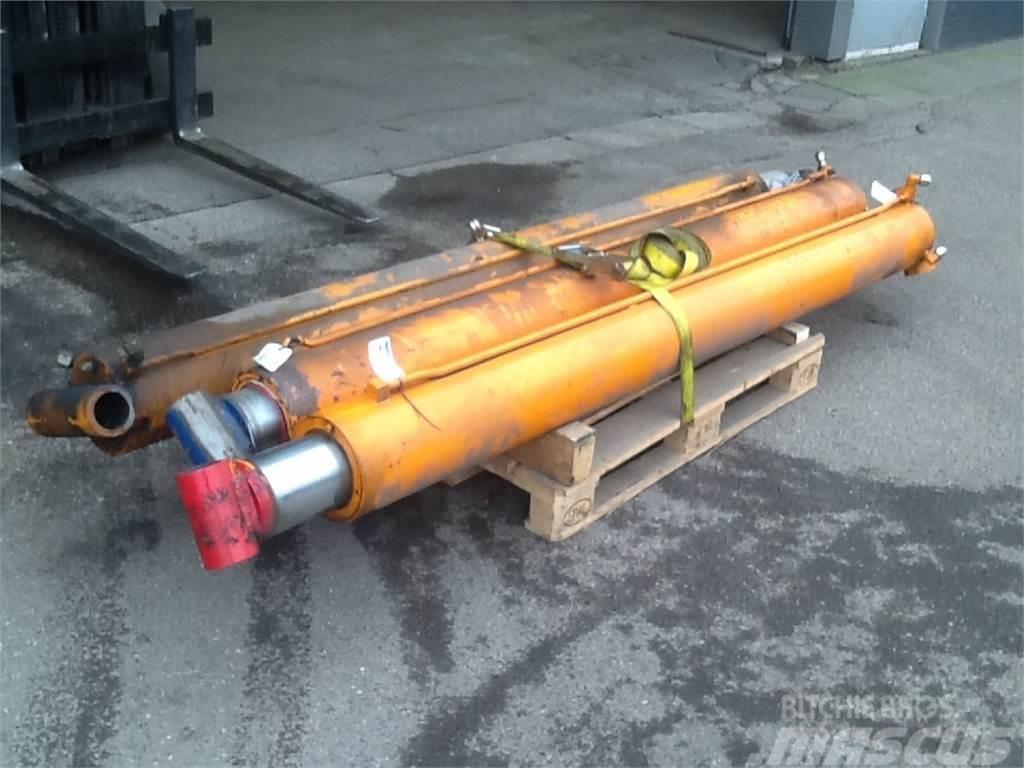 Manitex Boom lift cyl Manitex 30100