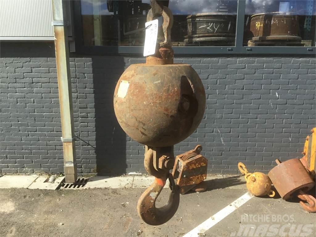 [Other] Hookball 354kg 8.3t