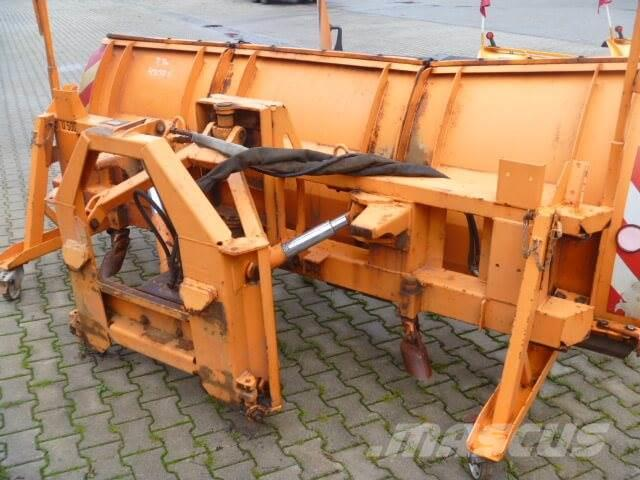 Unimog Schneepflug - Schneeschild Beilhack PV28-3, 1991, Snöblad och plogar