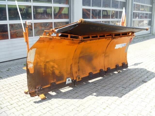 Unimog Schneepflug - Schneeschild Beilhack PV28-3