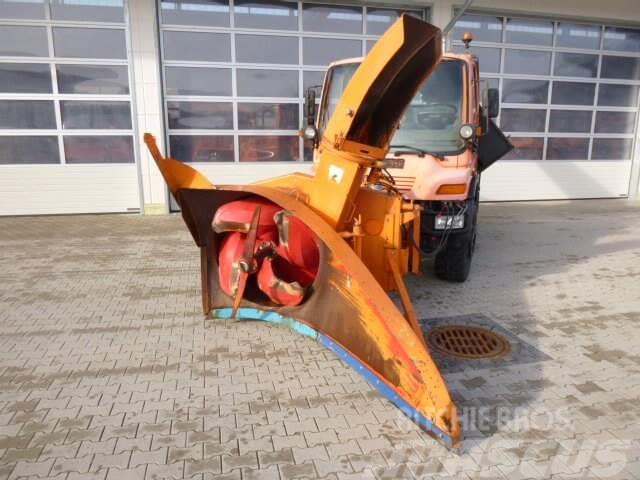 Unimog Schneepflug - Schneeschleuder Beilhack HS 2