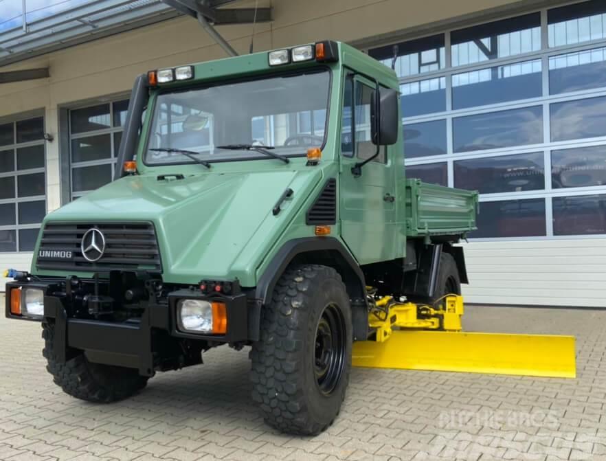Unimog U90Turbo 408 93374 mit Grader Mercedes Ben