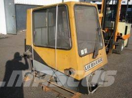Liebherr LTM 1030 lower cabine