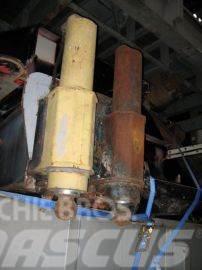 Liebherr LTM 1160 outriggercylinder