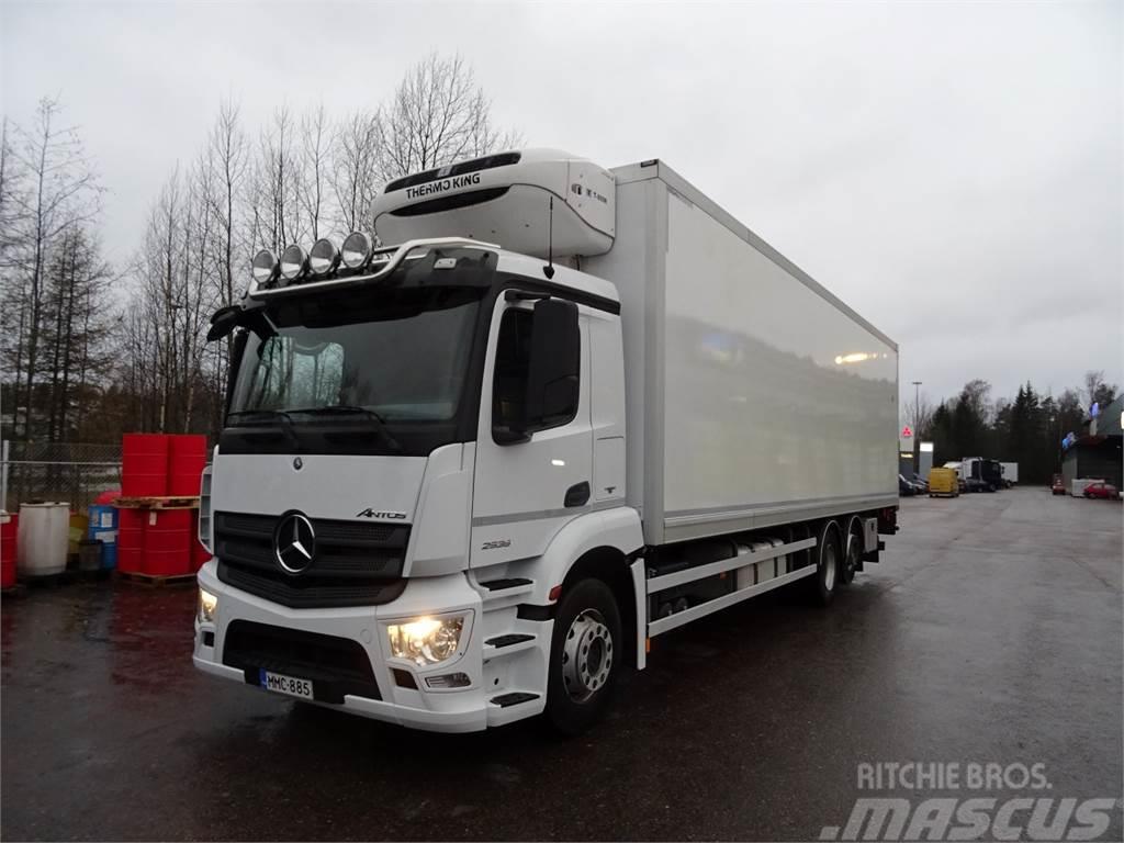 Mercedes-Benz ANTOS 2535L Viileäkori+PL