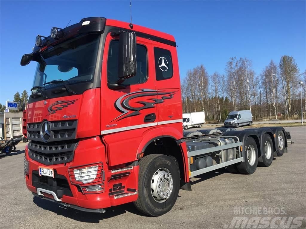 Mercedes-Benz Arocs 3251L - Vaihtohyvitys 15 000 eur