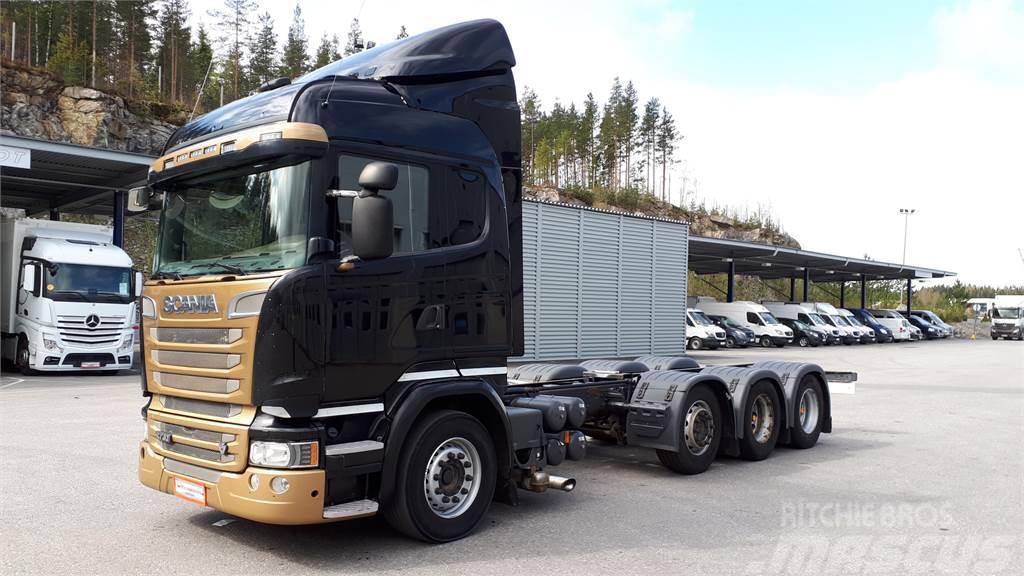 Scania R730 8x4/4 Alusta