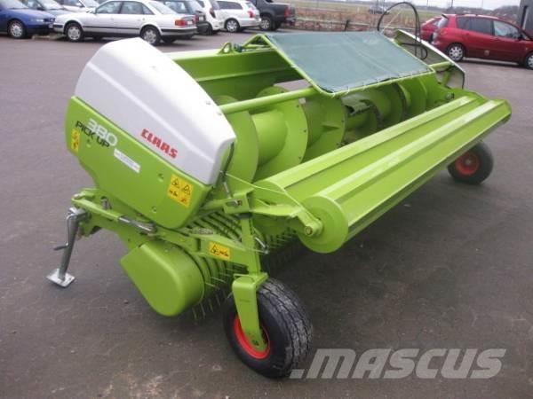 CLAAS 380 PICK UP HD model